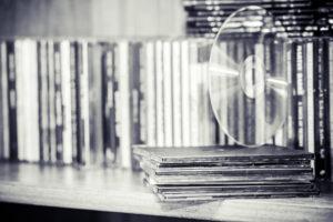 高価買取されるCDをリスト形式でご紹介!エコストアレコードのCD買取