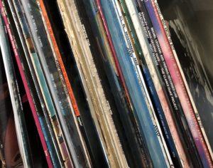 レコードを売りたいあなたに最適な買取方法はどれ?