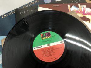 大量のレコードを売るなら、出張買取がオススメ!