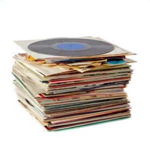 古いレコードはゴミに出さず、専門買取店へ!